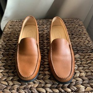Tod's driving loafer